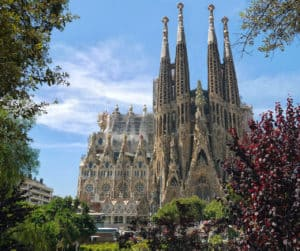 świątynia Sagrada Familia widziana od frontu