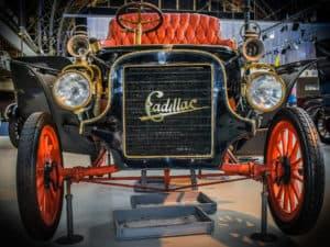cadillac w muzeum motoryzacji Autoworld