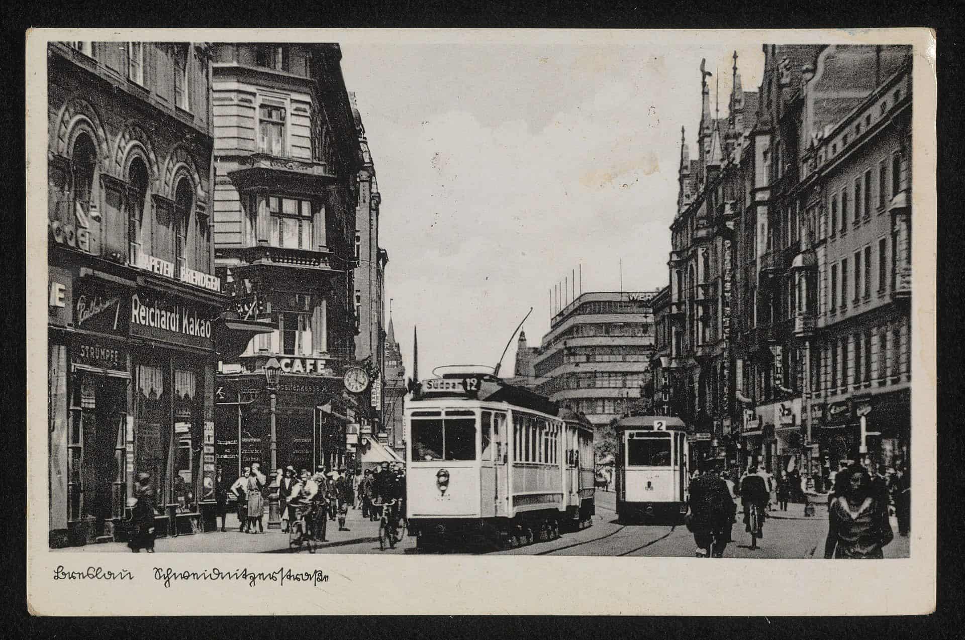stare zdjęcie przedstawiające tramwaje we Wrocławiu